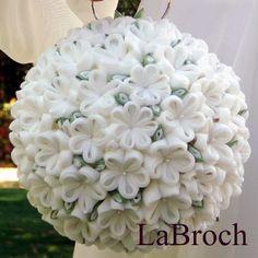 Bodas de lujo en Granada: Flores Kanzashi, un detalle original para novias
