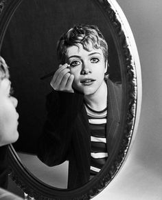 Sophia Lillis for Schön Ph: Short Hair Cuts, Short Hair Styles, Queen Sophia, Beverly Marsh, Looking Gorgeous, Her Hair, Beautiful People, Actresses, Actors
