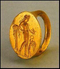 Classical Greek gold ring, circa 450 BC