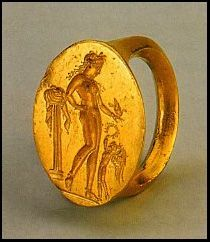 Classical Greek gold ring, circa 450 BC