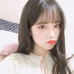 . . #고3#셀스타그램 Cute Korean Girl, Asian Girl, Korean Face, Pretty Little Girls, Grunge Girl, How To Draw Hair, Ulzzang Girl, Korean Ulzzang, Best Face Products