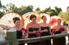 bridesmaids vintage river boat wedding maryland eastern shore Danny Bostwick Photography 550x365 Vintage Riverboat Wedding Ceremony on the Eastern Shore: Amy + Stephen