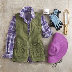 A dozen thoughtful pockets and a shapelier fit make our Heirloom Garden Utility Vest a bestseller. Layer it up with our DuluthFlex™ Sidewinder Shirt for even more agility and ease. Complete the look with our Crusher Hat, Work Gloves, Hori Hori Garden Knife and No-Crack® Hand Cream.