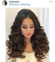 Wedding Hairstyles Indian Hairdos Bridesmaid Hair 29 Ideas in 2020 Quince Hairstyles, Indian Hairstyles, Bride Hairstyles, Pretty Hairstyles, Bridal Hair And Makeup, Hair Makeup, Up Hairdos, Curly Wedding Hair, Pinterest Hair
