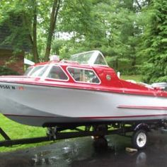 Old Boats, Small Boats, Classic Boats For Sale, Cuddy Cabin Boat, Pedal Boat, Camper Boat, Cabin Cruiser, Boat Engine, Vintage Boats