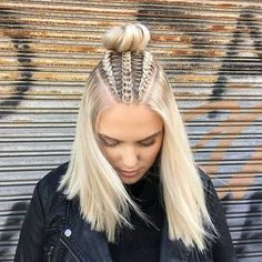Braids With Hair Rings for Music Festivals Teen Vogue Box Braids Hairstyles, Trendy Hairstyles, Hairstyles 2018, Festival Hairstyles, Beautiful Hairstyles, Short Haircuts, Cute Hairstyles For Teens, Coachella Hairstyles Short, Short Beach Hairstyles