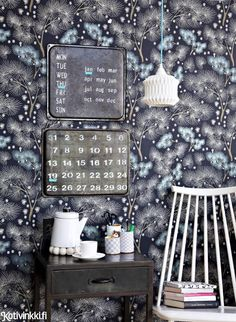 Calender made of the old oven pans/Tee itse kalenteri vanhoista uunipelleistä Eclectic Furniture, Diy Calendar, Vegetable Drinks, Stencil Painting, Home Wallpaper, Healthy Eating Tips, Diy Projects To Try, Tray Bakes, Wall Colors