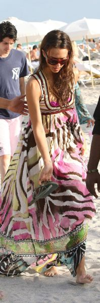 obsessed with jessica alba's beach dress