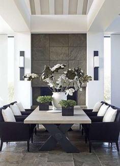 But how to apply color to your living room? Today we will cover the 2 most contrasting colours to décor your Luxury Dining Room with: white and black. Luxury Dining Room, Beautiful Dining Rooms, Dining Room Lighting, Dining Room Design, Rooms Home Decor, Room Decor, Dining Room Inspiration, Room Interior Design, Interiores Design