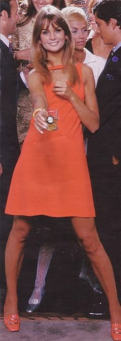 Jean Shrimpton looking mod and offering you a cocktail. Cheers!