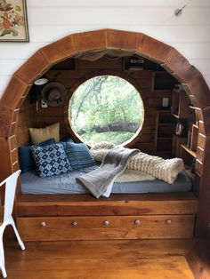 Home Library Rooms, Home Libraries, Cozy Library, Bed Nook, Cozy Nook, Aesthetic Rooms, Dream Rooms, Cool Rooms, My New Room