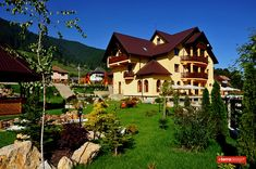 Image result for pensiuni reusite Home Fashion, Bed And Breakfast, Vile, Cabin, Mansions, House Styles, Image, Home Decor