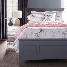 Give your bed a touch of Northern Italy with this marble-inspired Carrara Duvet Set Queen White/Grey - at Urban Barn