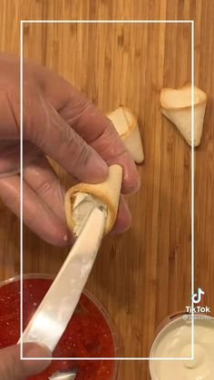 Finger Food Appetizers, Healthy Appetizers, Appetizer Recipes, Decoration Buffet, Food Artists, Paratha Recipes, Food Carving, Bulgarian Recipes, Food Garnishes