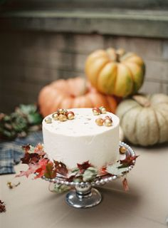 Fall themed cake: http://www.stylemepretty.com/living/2013/11/15/fall-harvest-party-from-judy-pak-photography/ | Photography: Judy Pak - http://judypak.com/