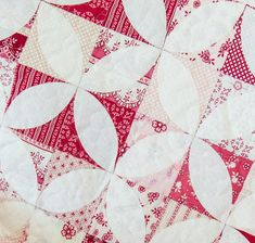 Raspberry Parlour by Sue Daley Designs for Riley Blake Designs. Free quilt pattern.