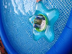One floatie ring and one plastic bucket! Above Ground Pool, In Ground Pools, Diy Pool, Pool Fun, Cheap Pool, Garden Pool, Rectangular Pool, Building A Pool, Pool Accessories