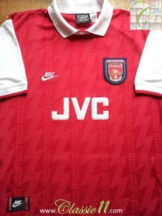 Relive Arsenal's 1994/1995 season with this vintage Nike home football shirt.