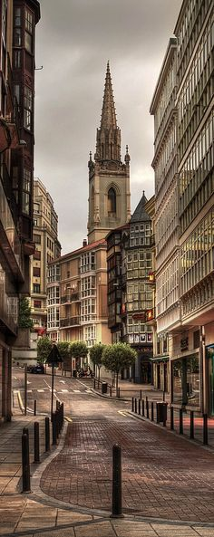 Santander is the capital of Cantabria. It features a small historic center and a buch of beaches on the Cantabrian sea. Its most famous tourist attraction is the Magdalena Palace which was used as a summer getaway by the 19th-century Spanish royalty.