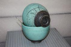 Lot de deux grands bols à soupe en Raku, coloris bleu turquoise et base enfumée