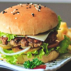 Under its vegetarian food brand Garden Gourmet, Nestlé will launch a plant-based patty called the Incredible Burger, as well as purple vegan walnut milk. Hamburger, Plant Based, Vegetarian Recipes, Vegan, Chicken, Ethnic Recipes, Milk, News, Food