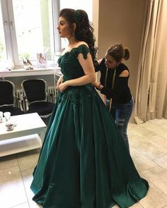 Emerald Green Satin Engagement Dresses Lace Off Shoulder Prom Dress Ball Gowns Quince Dresses, Ball Dresses, Ball Gowns, Evening Dresses, Mermaid Prom Dresses Lace, Strapless Dress Formal, Lace Dress, Formal Dresses, Wedding Dress Cinderella