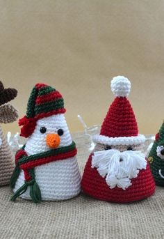 How to make adorable amigurumis for Christmas - Christmas Amigurumi - The How to . - How to make adorable amigurumis for Christmas – Christmas Amigurumi – The How of Things - Crochet Christmas Decorations, Crochet Decoration, Christmas Crochet Patterns, Holiday Crochet, Crochet Toys Patterns, Amigurumi Patterns, Yarn Crafts, Diy And Crafts, Christmas Crafts