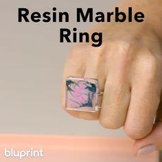 Diy Resin Ring, Diy Resin Earrings, Resin Jewelry Tutorial, Resin Jewelry Molds, Diy Jewelry Rings, Resin Jewelry Making, Diy Resin Art, Diy Resin Crafts, Diy Rings