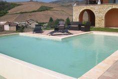Heerlijke vakantievilla voor maximaal 8 personen in de Franse Ardèche. Wat ik er leuker om te genieten van een prachtige accommodatie in een heerlijk stukje Frankrijk. Deze vakantiewoning heeft beschikking over een eigen zwembad en de vergezichten zijn prachtig!