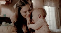 Shared by vampire. Find images and videos about gif, The Originals and phoebe tonkin on We Heart It - the app to get lost in what you love. Vampire Diaries Cast, Vampire Diaries The Originals, Story Inspiration, Character Inspiration, Phoebe Tonkin Gif, The Orignals, Hope Mikaelson, Original Vampire, Sarada Uchiha