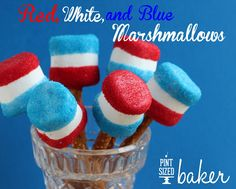 giant marshmallows 4th Of July Cake, 4th Of July Celebration, Fourth Of July Food, July 4th, Giant Marshmallows, Holiday Treats, Holiday Recipes, Party Treats, Holiday Parties