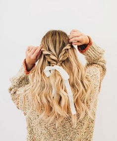 Best Stores to Buy Scrunchies & Scrunchie Hairstyles - Design & Roses - Melody Garrison - Scrunchies Bad Hair, Hair Day, Messy Hairstyles, Pretty Hairstyles, Picture Day Hairstyles, Half Braided Hairstyles, Toddler Hairstyles, Teenage Hairstyles, Holiday Hairstyles