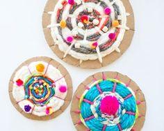EASY CARDBOARD CIRCLE WEAVING FOR KIDS