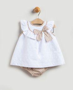f53df9a90 Vestido de bebé niña Coco Acqua blanco con volante