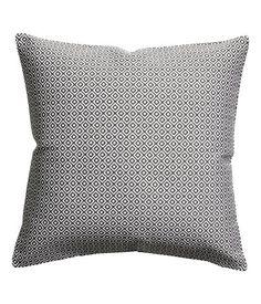 Harmaa. Tyynynpäällinen, jossa jakardikudottu kuviointi. Yksivärinen taustapuoli puuvillakangasta. Piilovetoketju.