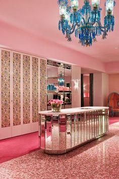 David Hicks pink dressing room
