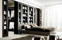 Tip na moderní dělící stěnu do ložnice. / Modern dividing wall to the bedroom. #bed #bedroom #bookcase #cloackroom #postel #loznice #knihovna #satna