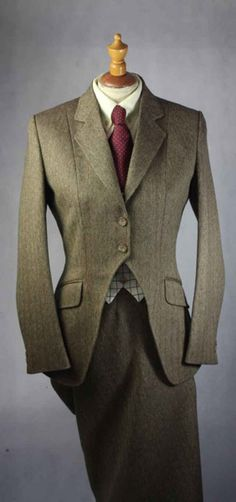 Ladies Tweed Side Saddle Habit - Side Saddle Habits - Alexander James - English Country Clothing
