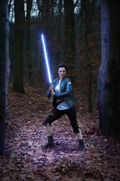 Rey from Star Wars VII Cosplay http://geekxgirls.com/article.php?ID=9450