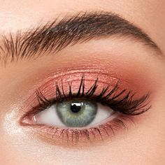 Trendy Natural Pink Eye Makeup Looks, Pink Eyes Makeup Eyeshadow glitter subtle bold rosegold 632755816381326603 Peach Eye Makeup, Pink Eye Makeup Looks, Light Makeup Looks, Makeup For Green Eyes, Natural Eye Makeup, Pink Makeup, Natural Eyeshadow Looks, Easy Makeup Looks, Subtle Eye Makeup