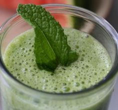Glowing Green Smoothie - benefits and recipe