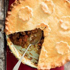Lamspastei Pie Recipes, Recipies, Snack Recipes, Dessert Recipes, Cooking Recipes, Desserts, How To Read A Recipe, Spanakopita, Good Food