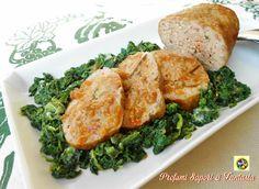 Polpettone di pollo e ricotta con salsa di verdure è saporito e delicato allo stesso tempo. Inoltre è molto facile da preparare, ottima la salsa di verdure.