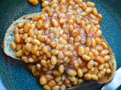 This is healthy, yummy and cheap.... plus my expat hubby should love it! Beans on toast is a UK staple!