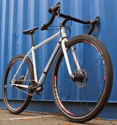 "Vassago's Fisticuff is billed as a ""monster cross"" bike that can handle everything from rough gravel roads to singletrack to daily com. Single Speed Road Bike, Commuter Bike, Touring Bike, Custom Wheels, Bike Art, Road Bikes, Bmx, Mountain Biking, Bicycle"