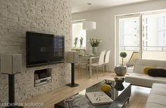 Telewizor na ścianie w salonie. 11 pomysłowych aranżacji z telewizorem