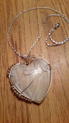 Bijoux Wire Wrap, Bijoux Diy, Wire Wrapped Jewelry, Wire Jewelry Patterns, Wire Jewelry Designs, Heart Jewelry, Jewelry Art, Beaded Jewelry, Wire Necklace