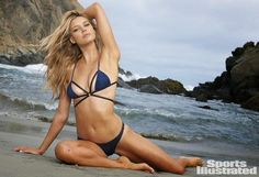 Sports Illustrated swimsuit model and actress Kelly Rohrbach has landed the coveted role of CJ Paker in the big screen adaptation of Baywatch. Sports Illustrated Swimsuit 2015, Sports Illustrated Models, Broad City, Baywatch, Leonardo Dicaprio, Kelly Rohrbach Bikini, Actrices Sexy, Swimsuit Edition, Si Swimsuit