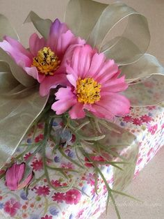 Embellished Gift Wrapping