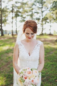 gorgeous lace sleeved gown | W + E Photographie #wedding